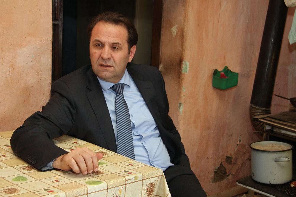 Možda vlada možda ne: Rasim Lajić