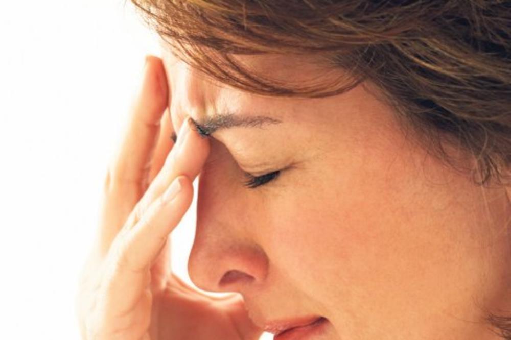 boli glava, sinusi, sinusitis, glavobolja,  zapusen nos, hrkanje