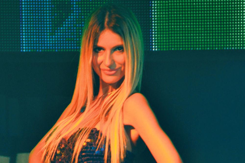 Svetlana Ceca Ražnatović, Snežana Nešić, serija Folk,