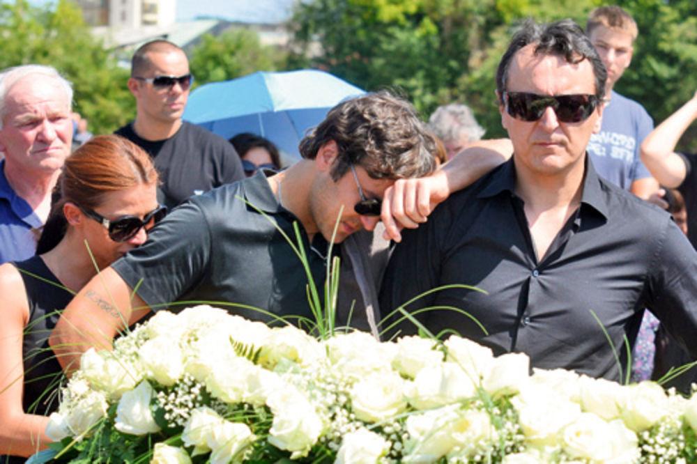 sahrana, sahranjena Kosa Stojković, Vladimir Stojković, loznica,