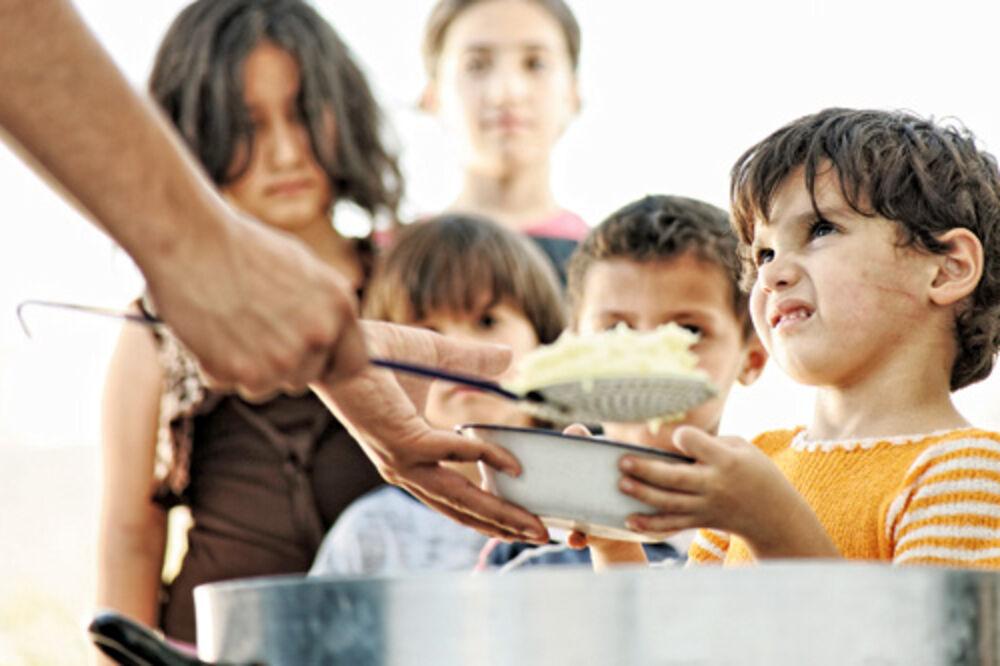 VIŠE SU GLADNI NEGO SITI: 280.000 dece u Austriji živi u bedi!