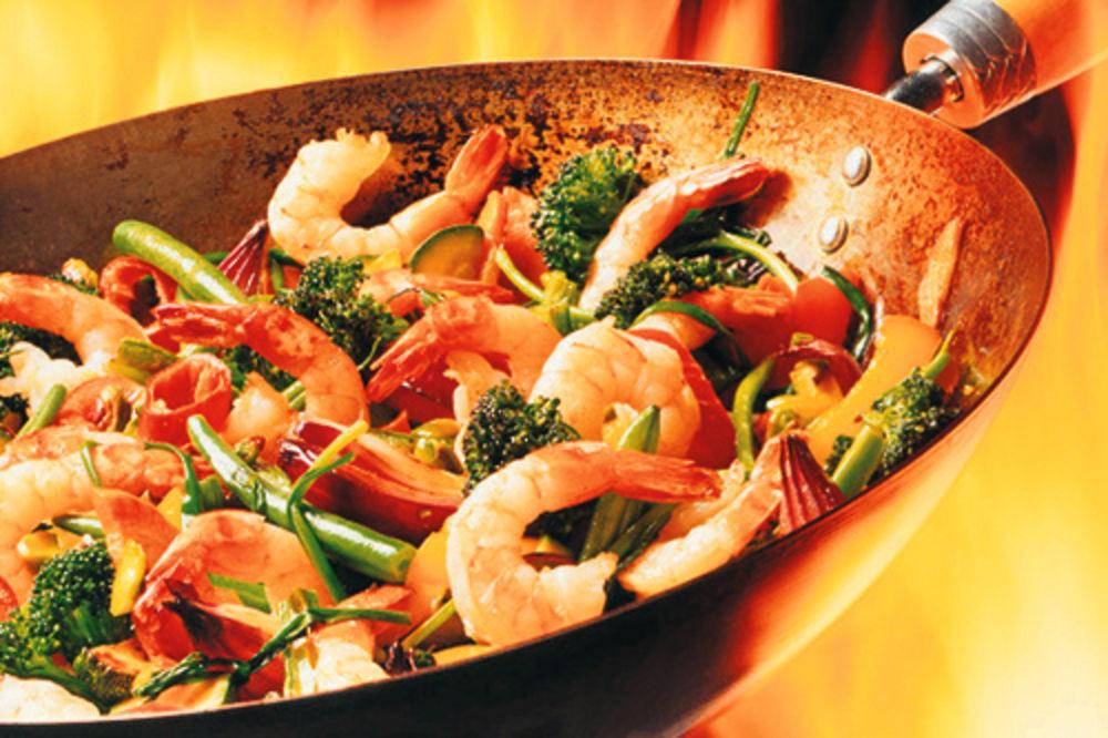 Koje su sve namirnice opasne za zdravlje? Hrana-vok-kineska-posuda-priprema-1343421327-190953