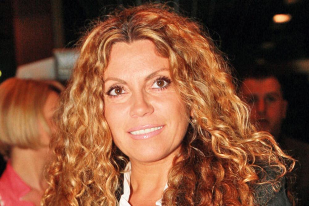 Indira Radić promovisala spot za pesmu Zodijak