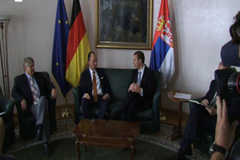 Nikolaus Graf Lamsdorf, Aleksandar Vučić,