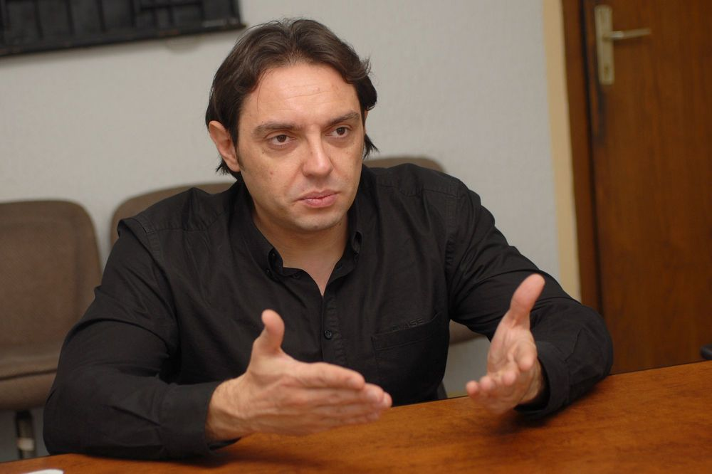 Politika; Aleksandar Vulin