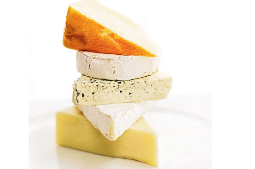 SLUŽI SE U ZLATNOJ POSUDI: Sir iz Srbije među 5 najskupljih specijaliteta na svetu!
