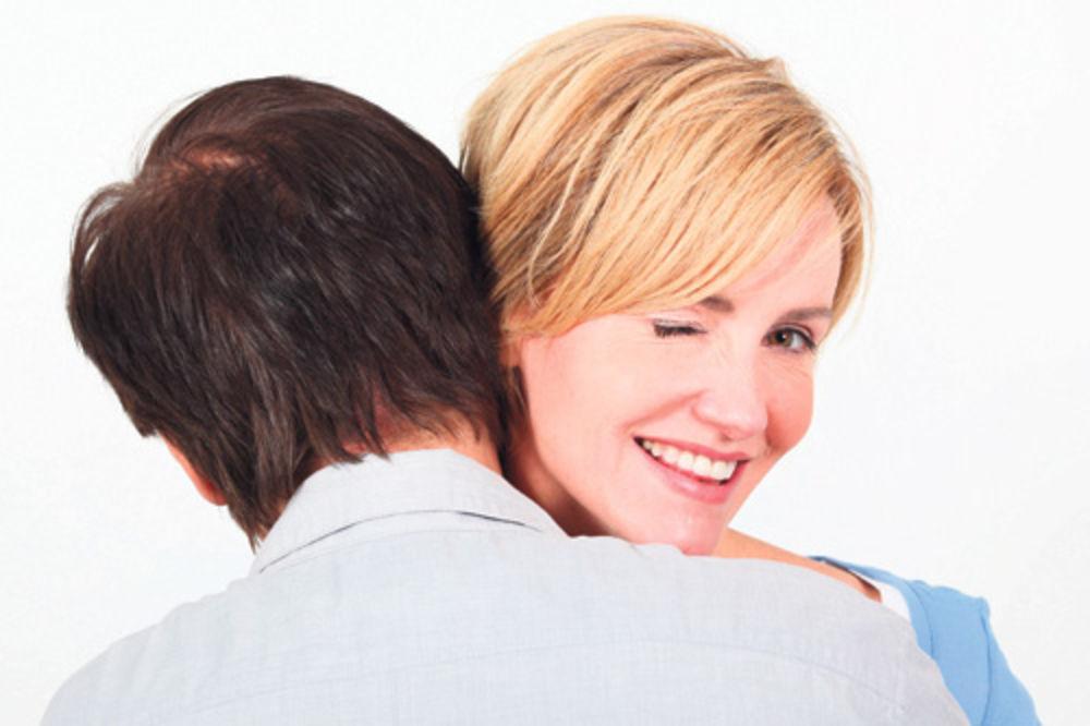 seks, misionarska poza, muškarci, žene,