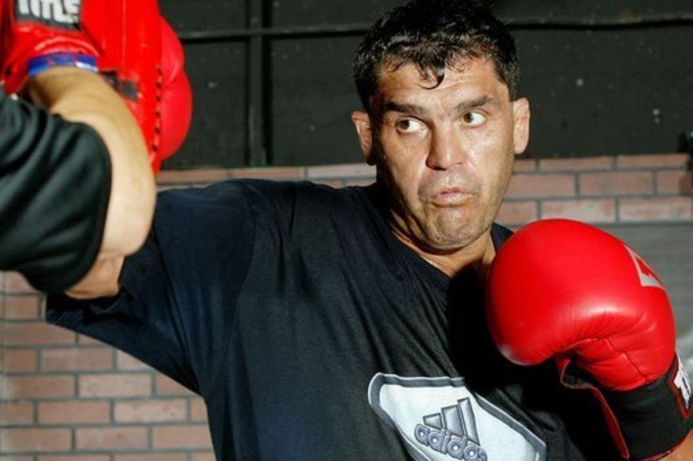 Bivši bokserski šampion ubijen ispred restorana