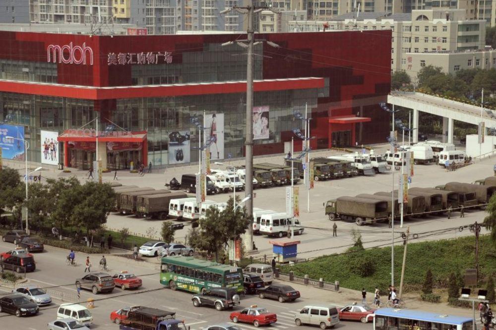 kineska tuca - radnici, tuca, masovna, fokskon - rojters