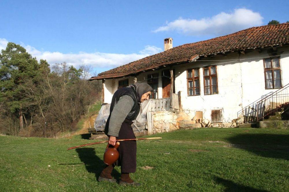 KONKURS ZA BESPOVRATNA SREDSTVA: Mladi parovi se jagme za seoske kuće u Vojvodini