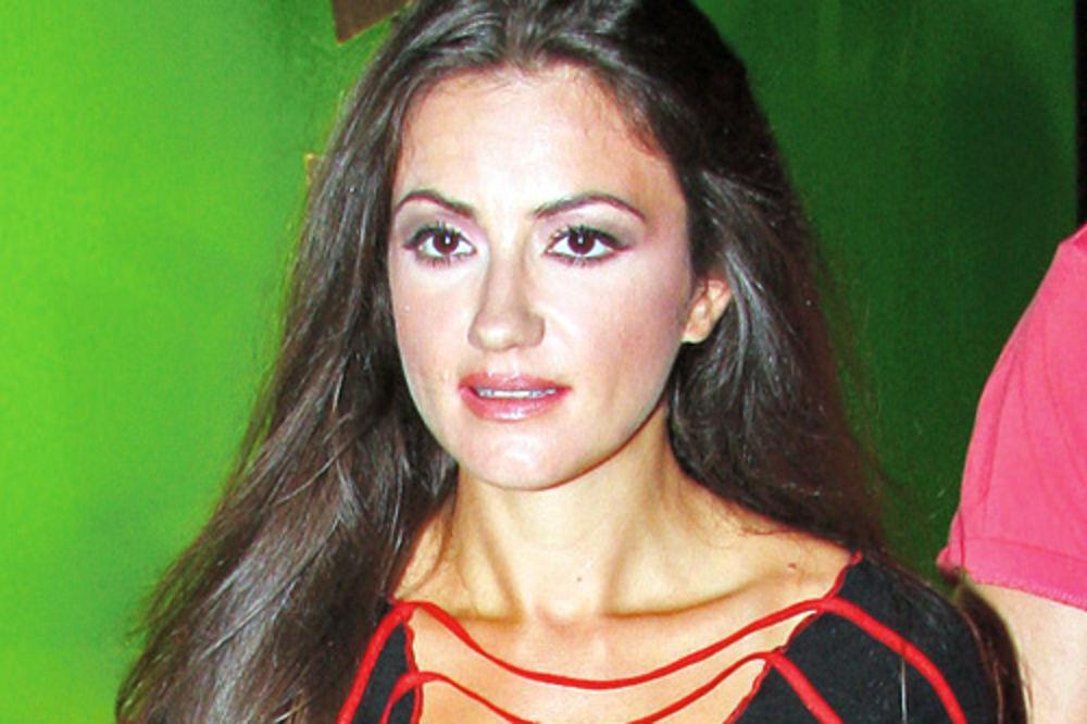 Ivana Stamenković Sindi, Sindi Models, Fjal Emirejts, stjuardesa,