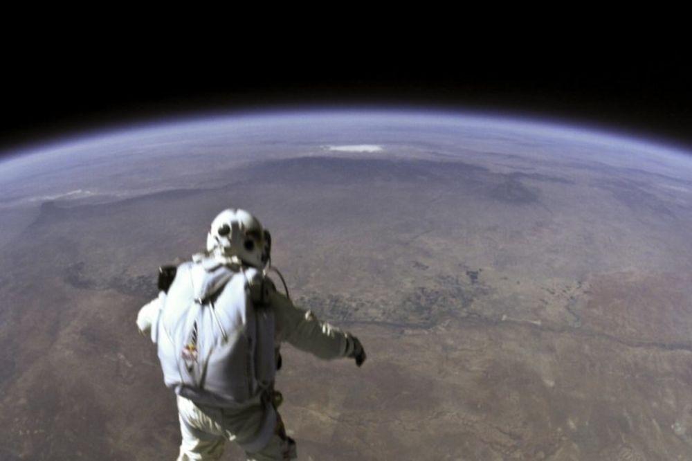 Feliks Baumgartner, povlačenje, Neustrašivi Feliks, skok, svemir,