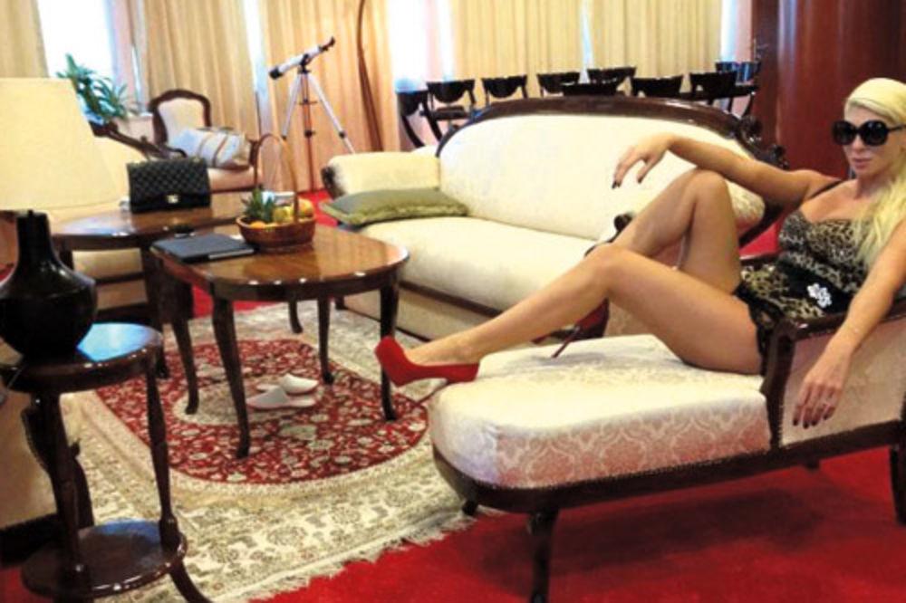 Karleuša uživala u čarima predsedničkog apartmana
