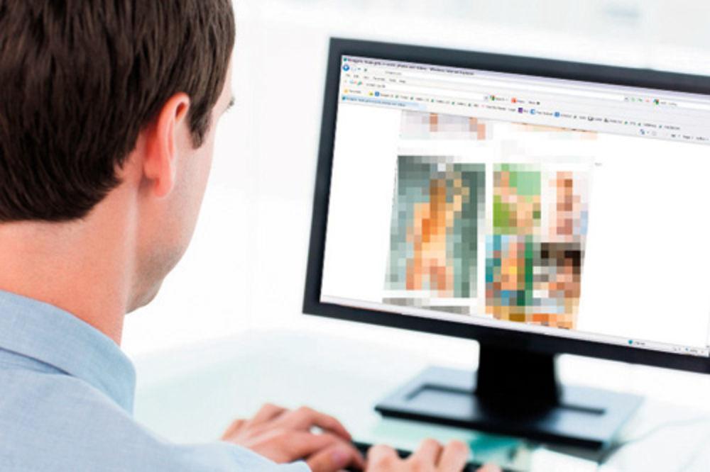 kako zamišljaš forumaša - Page 4 Pornografija-decija-pornografija-manijak-internet-kompjuter-haker-hakeri-1353370964-231706