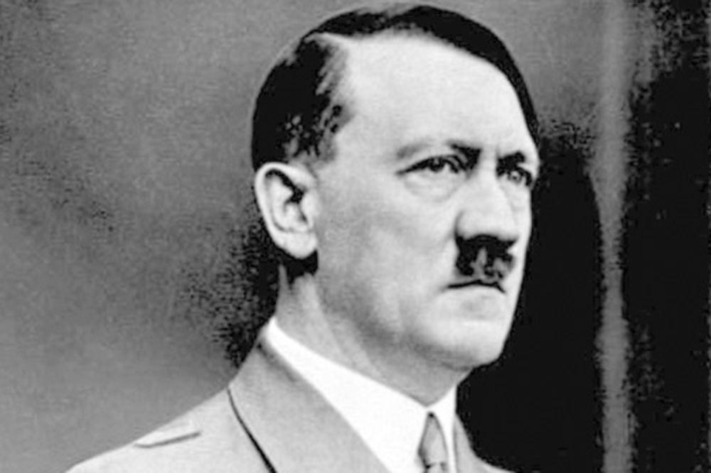 UBIJALA GA PARANOJA: 15 žena probalo hranu pre samog Hitlera