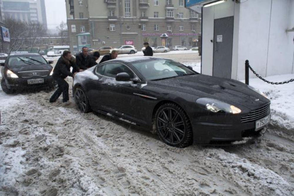 MEĆAVA: Sneg zatrpao Moskvu