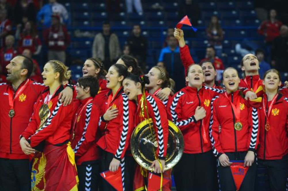 Šampionke Evrope: Rukometašice Crne Gore (foto: Tanjug)