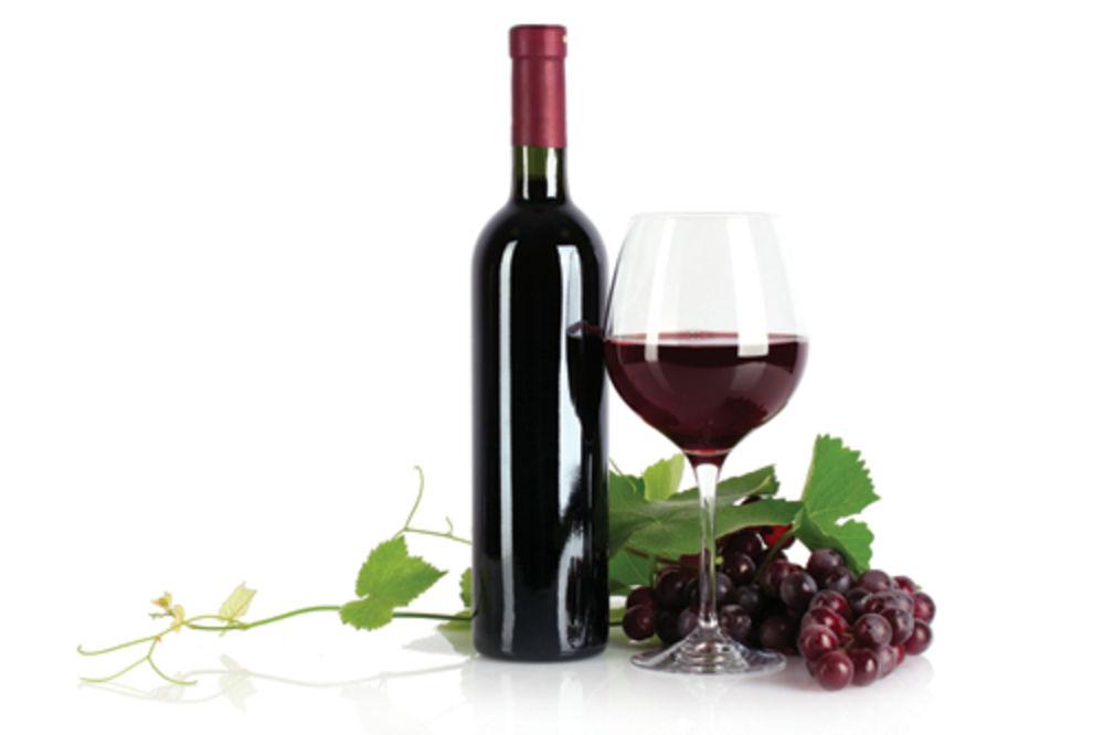 vino-crno-vino-1355750815-242413.jpg