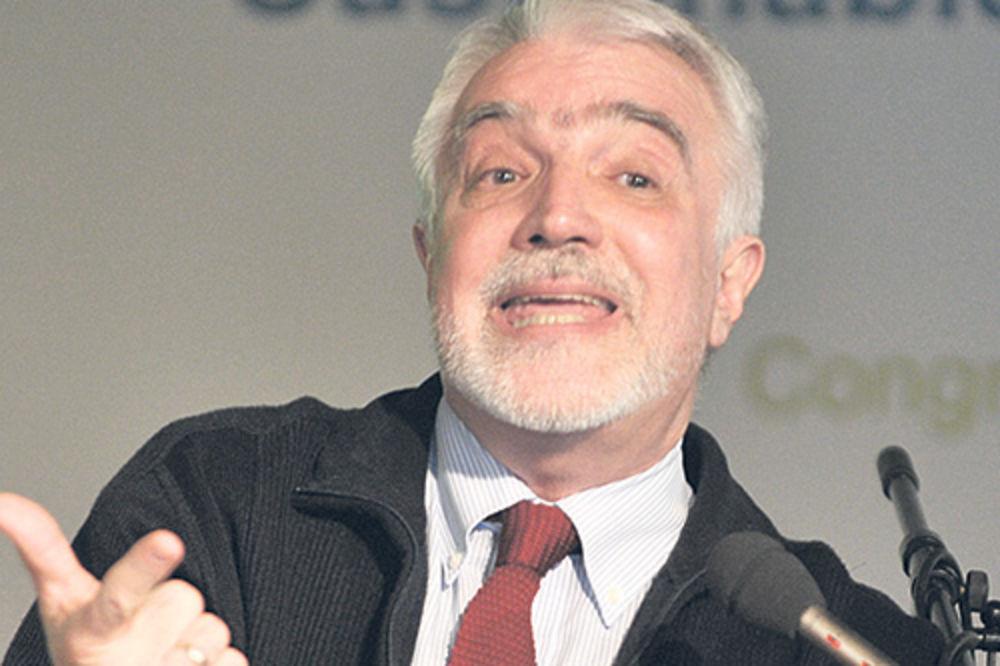 TRAŽI IZVINJENJE: Miroljub Labus zakucao se u BMW ambasade Brazila