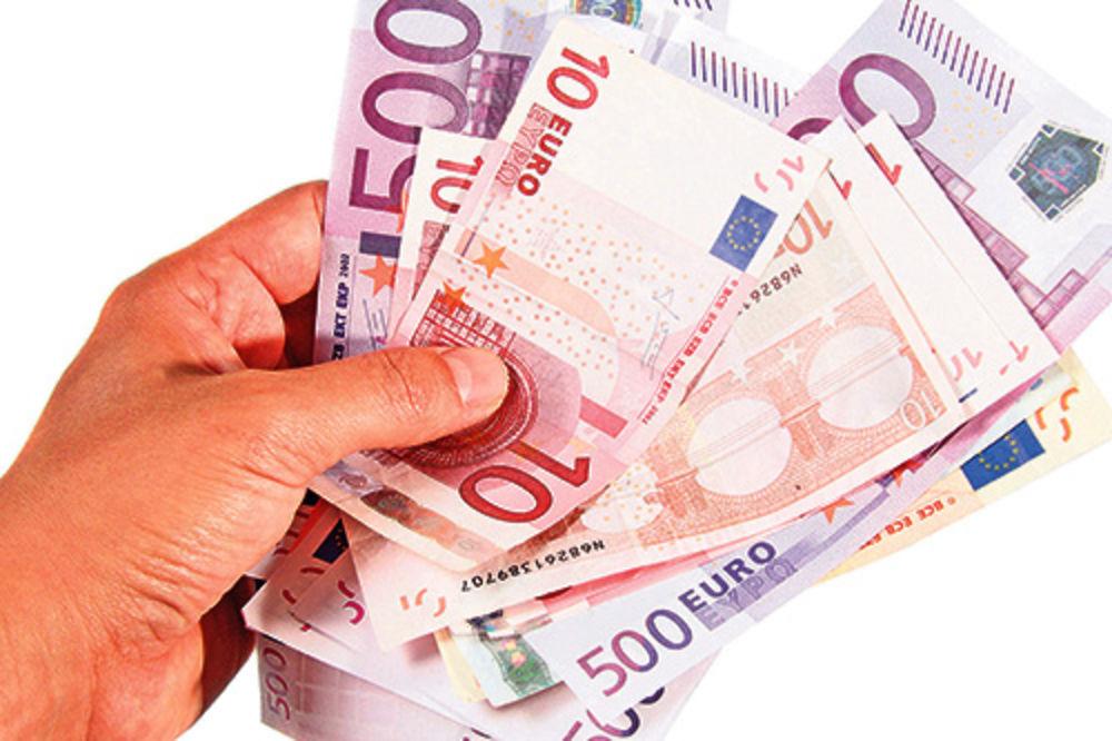 Dinar nastavlja da jača, evro sutra 115,57 dinara