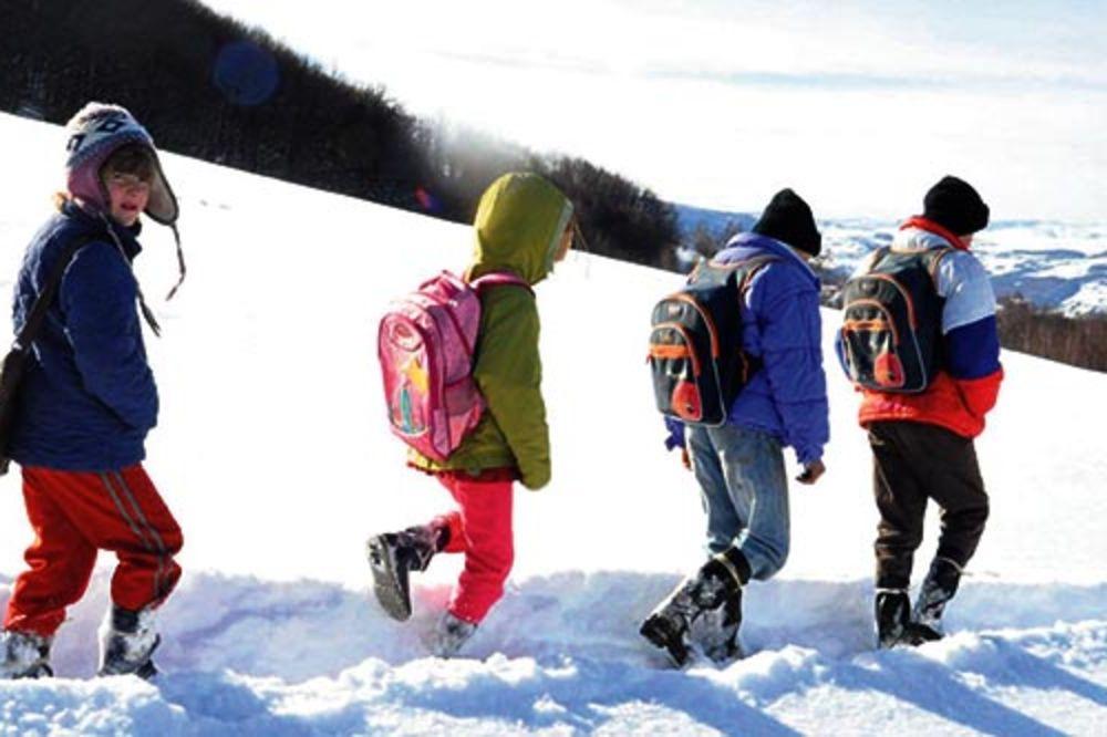 Miladin, Aleksandar, Anđela, Danijela Komatina, škola, pešačenje, mraz, veliki m