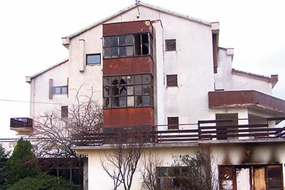 Od kuće u Kninu ostali samo goli zidovi