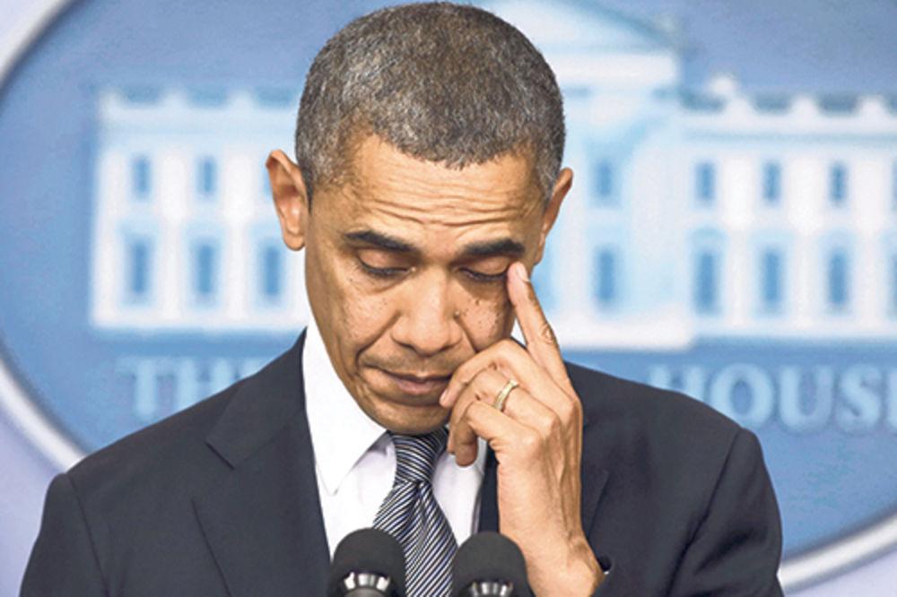 IZLEČENA OD EBOLE: Obama zagrlio bolničarku iz Dalasa