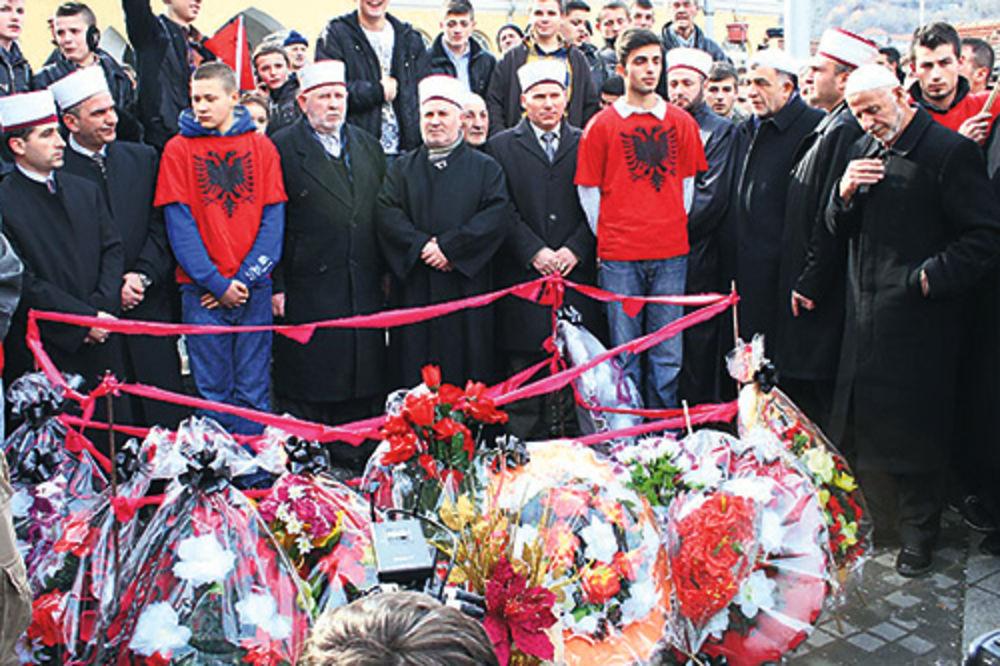 Riza Halimi, protest, rušenje spomenika, spomenik OVPBM, Preševo