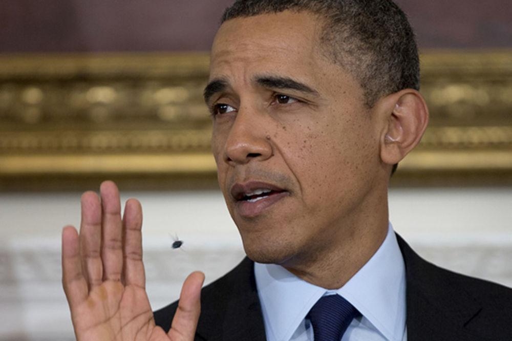 NE VERUJU NIKOM: I Obami odbili kreditnu karticu