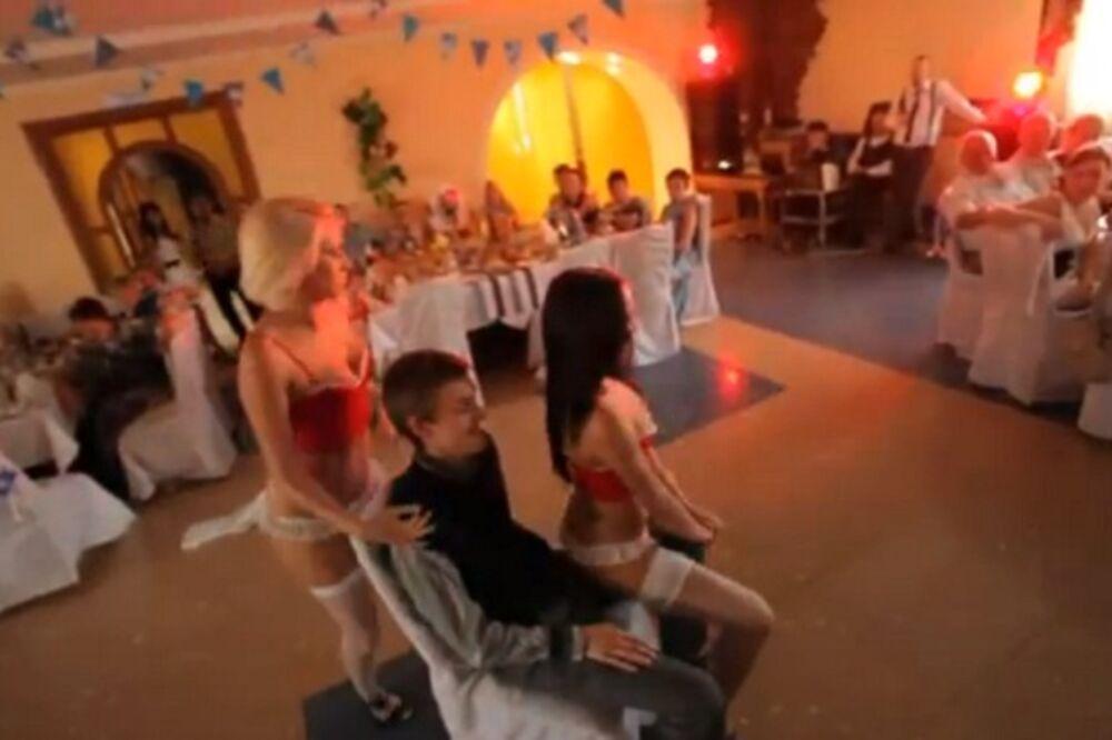 seks, striptiz, ruska svadba