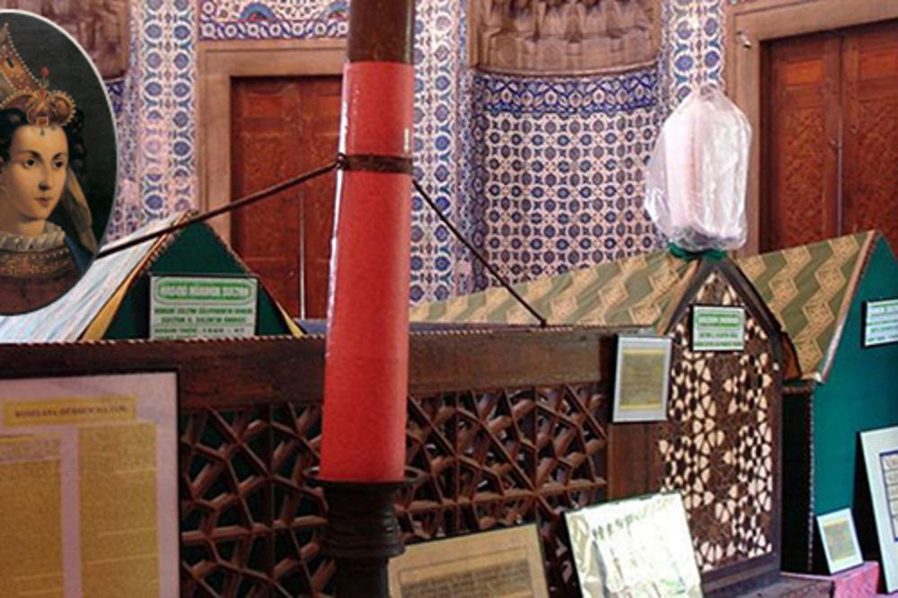 sultanija hurem, prava hurem, grob, foto wikipedia