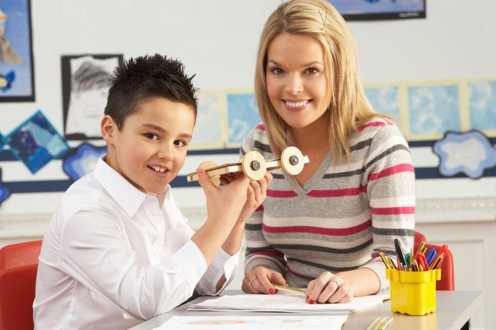 učiteljica, đak, škola, foto kurir