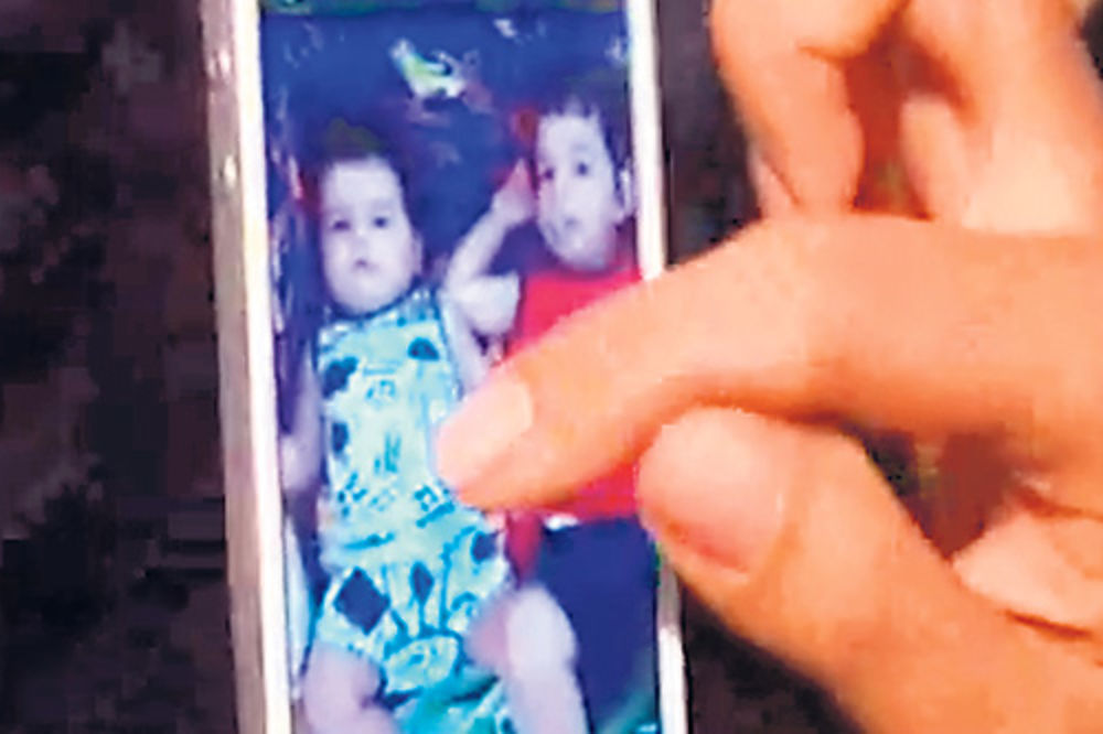 Tanja pokazala slike Maksima i Đorđa iz svog telefona