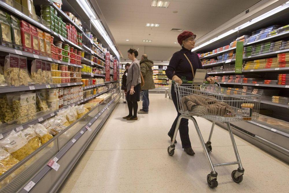 IMA I PUNO SRPSKE DECE: Učenici na praksu idu u skladišta, a ne u prodavnice!
