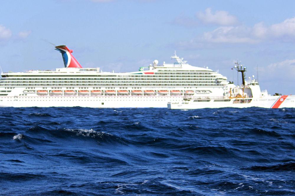 KRUZER SMRTI: Žena zaražena ebolom na brodu sa hiljadama putnika!