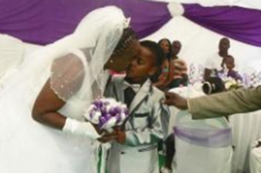 Saneleu Masilela, decak, venčanje
