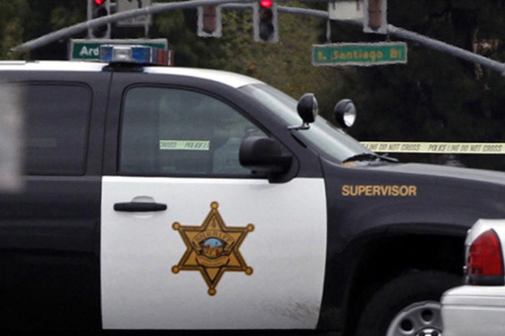 TRAGEDIJA U KLIVLENDU: Policija pucala u dečaka (12) sa igračkom pištoljem!