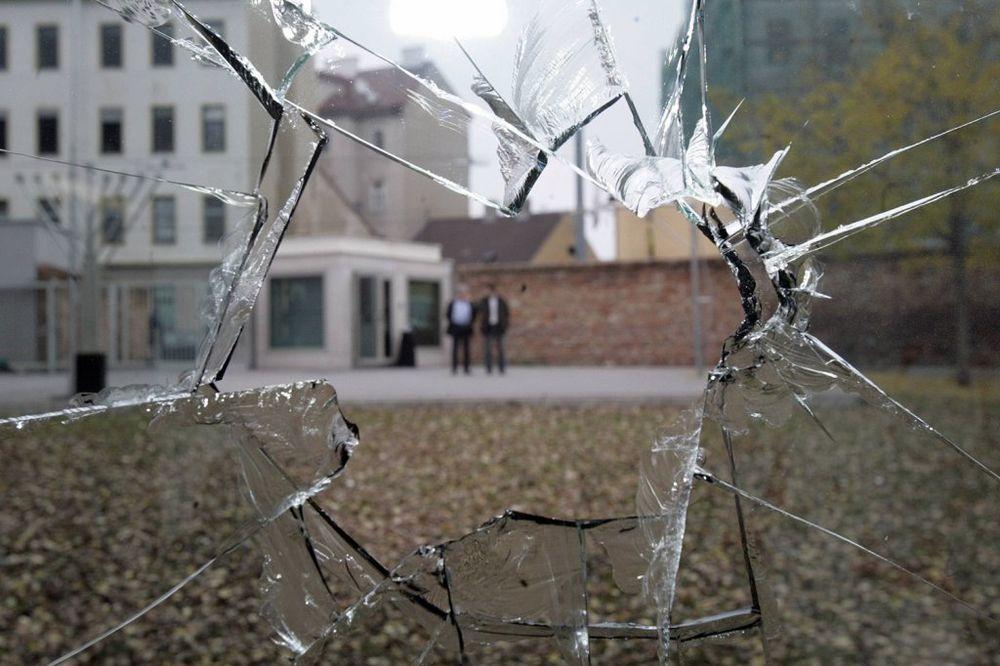 KLINA: Kamenovana jedina srpska kuća