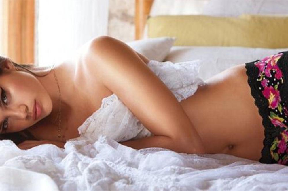 DAN ZALJUBLJENIH (Valentinovo, sv Trifun) - Page 5 Sara-sampaio-seks-seksi-editor-foto-brosome-1363251043-282379