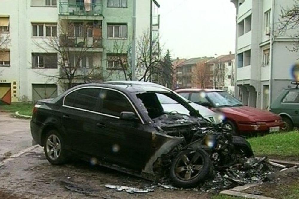 Bačena bomba na automobil u Nišu, drugi zapaljen