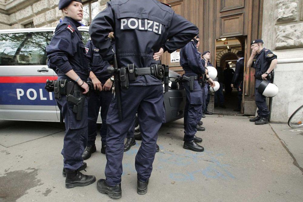 PANIKA U BEČU: Čovek ušao sa bombom u policijsku stanicu!