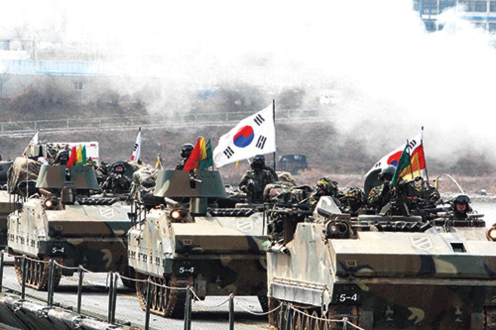 Južna Koreja Severna-koreja-juzna-koreja-korejski-rat-sad-kim-dzong-un-bombarderi-stelt-1364852317-290151