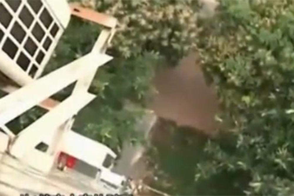 Skok, devojčica, kišobran, zgrada, skok, Peking,
