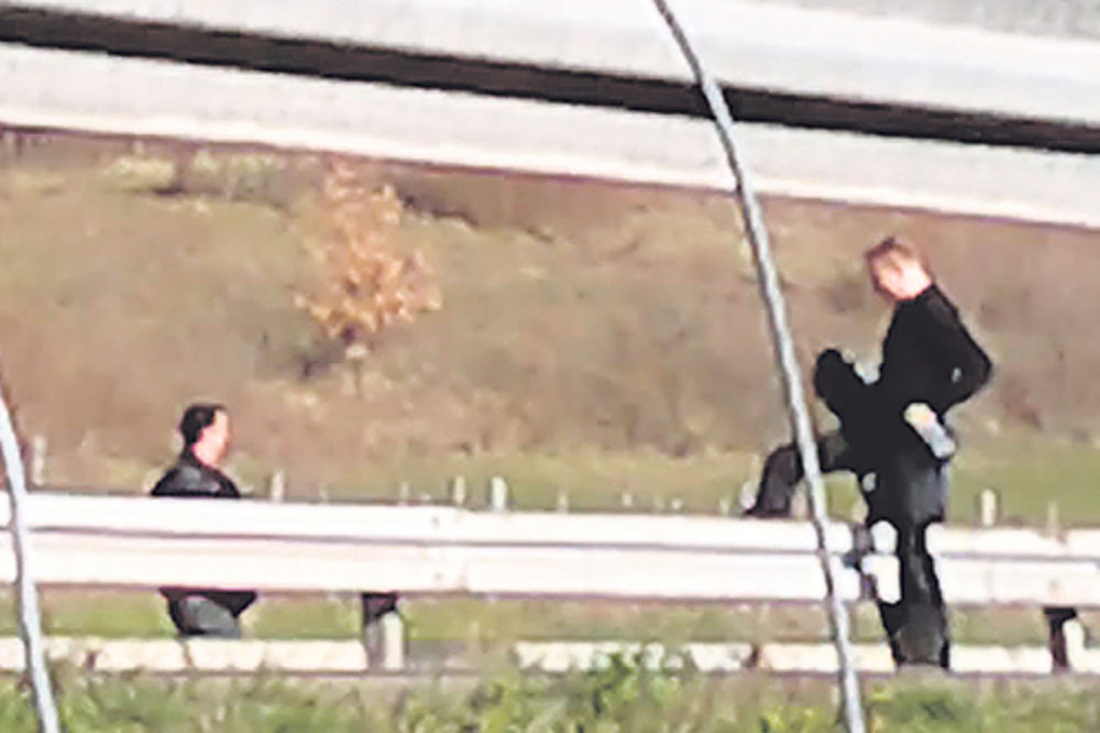 Dragan Đilas, pretrčavanje, auto put,preskako bankinu,