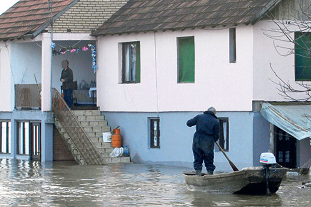 PAKLENA JESEN NA BALKANU: Vrućine i poplave sve do novembra!