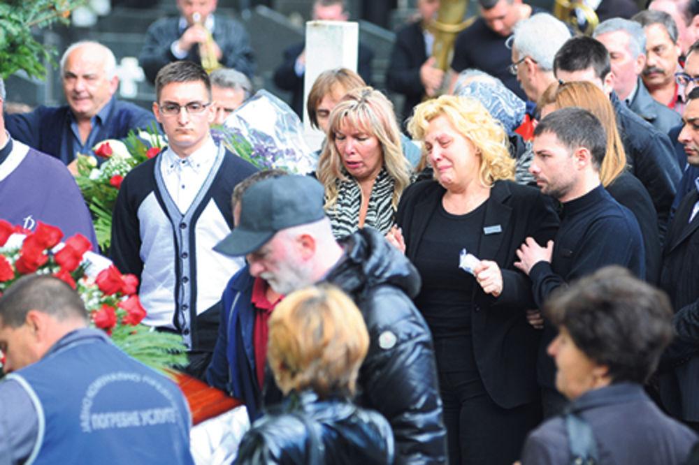 Snežana Đurišić, Slobodan Gvozdenović, sahrana, trubači