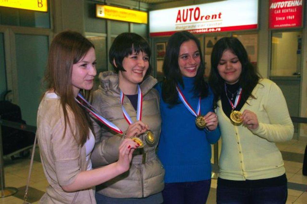 ŠAMPIONKE: Srpske matematičarke prve u Evropi