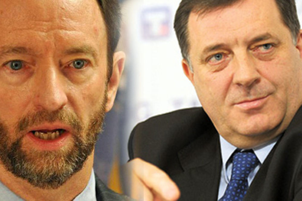 Patrik Mun, Milorad Dodik