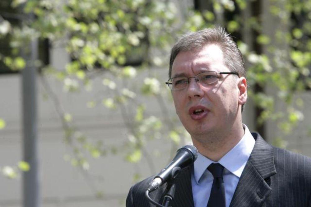 ANALITIČARI: Zahtev Haga za hapšenje Šešelja direktan pritisak na Vučića i vladu
