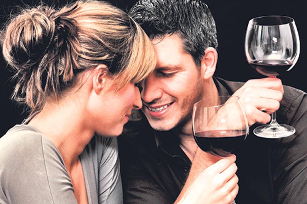 6 razloga zašto uvek uspeva veza između starije žene i mlađeg muškarca